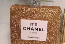 Chanel No 5 pinata