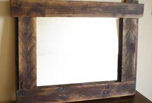 Specchi legno riciclato / Specchi con cornice legno riciclato. Dal riutilizzo di materiali usati, quali legno, specchi, metalli, ceramiche, ed altro vengono creati nuovi caratteristici specchi e specchiere.  Utilizzando legno antico, viene dato risalto alle venature, all'intemperie ed al colore che il tempo gli ha conferito....