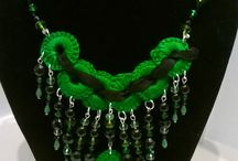 CONSANDRA / Creating designs with beads