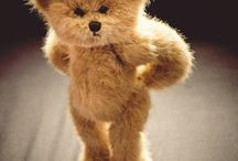 In love with Teddy bear!!! / by Jaruna Charusreni Pawarat