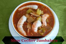 Slow Cooker Recipes / by Anna Lovoi