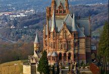 Burgen, Schlösser und Kirchen