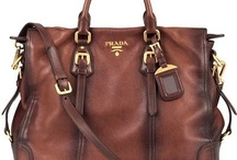 Handbags, Purses, & Wallets I Love / by Beth Kosanovich
