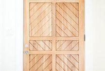 { front doors }