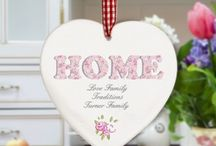 House Warming Gifts / Perfect gifts to give someone who's moving into a new home