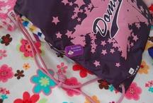 Etiquetas para ropa personalizadas / Etiquetas personalizadas para marcar la ropa de tus niños para la guardería, el cole, campamentos... Personaliza las etiquetas con tu nombre, color, icono...