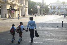 Calle Monserrate / La calle Monserrate es una de las arterias de comunicación más importantes de La Habana Vieja. En realidad, Monserrate es la prolongación de la calle Egido por el norte, y entre las dos forman el cinturón que separa La Habana Vieja del resto de la ciudad. / by Paseos por La Habana
