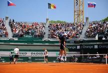 Roland-Garros voit Double / Le tournoi de Double a commencé à Roland-Garros.