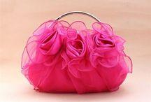 Vaaleanpunainen