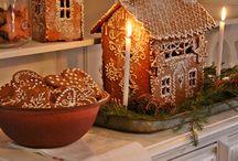 Pepperkakehus å julegreier