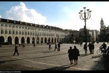 Turijn / De voormalige hoofdstad van Italië en cultuurrijke hoofdstad van Piemonte is één van de mooiste kunststeden met prachtige pleinen en paleizen.