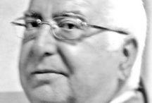 GUILLERMO RODRÍGUEZ LÓPEZ / Nació en Gádor (Almería-España) Ingreso en la Universidad de Valencia, estudió Ingeniería Técnica Agrícola, especializándose en la de Madrid en Edafología. Incorporándose al mundo laboral como funcionario del Estado en el Servicio de Extensión Agraria, en las Agencias Comarcales de la Rioja, Jaén, Almería y Granada...  Jubilado en la actualidad  Desde entonces vive componiendo y dando satisfacción al espíritu a través de la poesía