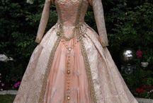 Šaty kolem r 1800