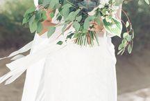 F L O W E R S / Fine Art Natural Light Wedding Photography // Florals