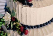 wedding cakes with fruit decoration
