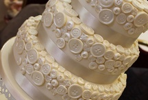 Wedding Cakes & Alternatives / Wedding cake designs and dessert ideas for the guests with a sweet tooth!