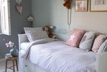 postel a pokojik