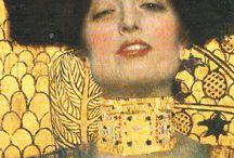 Klimt, Gustav / Gustav Klimt (Baumgarten (Wenen), 14 juli 1862 – Wenen, 6 februari 1918  was een Oostenrijkse symbolistische schilder en een van de meest prominente leden van de Wiener Secession, de Weense jugendstilbeweging. Symboliek, erotiek, uitgesproken zin voor het decoratieve en bevallige verfijning kenmerken zijn schilderijen en tekeningen.