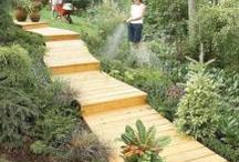 Backyard Design Ideas / Transform your outdoor area with these landscaping ideas