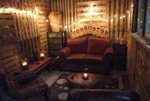 Wooden Pallet Crafts / by Asia Bird