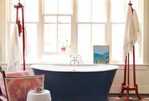 Bathrooms / by Leslie Hall
