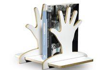 IZZIBOX - novo expositor na 27ª Craft Design / A IZZIBOX é uma empresa paranaense criada em 2007 com o intuito de oferecer produtos diferenciados. Sua estreia na Craft Design está marcada para a próxima edição, de 13 a 16/08 no Frei Caneca. Todos os produtos vêm dentro de embalagens ecologicamente sustentáveis. Eles vêm desmontados para serem montados pelo cliente, criando uma interação lúdica e prazerosa.