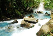 Costa Rica Waterfalls / Let us show you the amazing waterfalls you can find in Costa Rica, most of them are in hidden places, and all of them are beautiful and refreshing, perfect after a day of exploring the this amazing country.   #MyCosta Rica