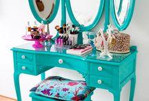 Aqua dressing table