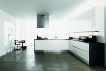 Forma 2000 - Cucine / Forma è una nuova FANTASIA in cucina! Colori attuali ed accattivanti per impreziosire e vivere la tua cucina.