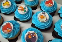 Cupcakes & cake pops / by Christie Cortez