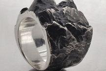 Jewelery/Metals/Rings/Bracelets