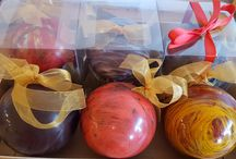 Christmas Chocolates / Decorative Edible Chocolate Decorations