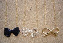 bows  >< bows ><  bows >< / by Linda Pak