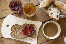 Petit-déjeuner / Découvrez nos pains bio, viennoiseries bio, Porridge, Crunola Parfait, Granola Parfait
