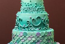 Cakes / by Rosibel Villatoro-Garlow