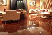 Ламиниран паркет / На нашия сайт ще намерите повече от 1000 декора ламинат и трислоен паркет от 15 водещи европейски производители. В каталога си сме събрали всичко най-хубаво има в света на пазара на подови настилки