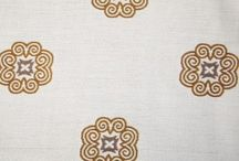 Tapiterii - Atria / Sortimentatia de tapiterii cuprinde atat piele ecologica, stofe uni si cu design floral, cat si plusuri uni si cu model.