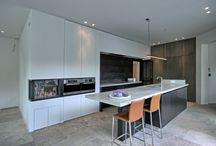 Keukens / Of u kiest voor een moderne of een landelijke keuken, Villabouw Sels helpt u graag verder.
