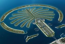 Palm Islands / In Dubai. Deze bijzondere eilanden zijn mede aangelegd door het Nederlandse bedrijf van Oord.