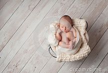 Newborn baby photography / Newborn baby photography is a special type of photography with babies in their first few days after birth.
