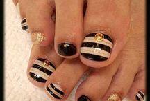 nails, jewellery