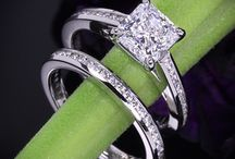 engagement rings / by Tayvia Meek