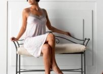 BANQUETAS DESCALZADORAS / Ideas para decorar y amueblar tu hogar con originales banquetas descalzadoras