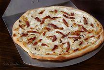 Pizza&Pie / Pizza&pie recipe, pizza&pie crust, rețete pizza, rețete tarte și plăcinte, aluat de pizza, pizza margherita, tarte flambee etc