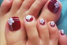 toe nails / by Alma Gomez