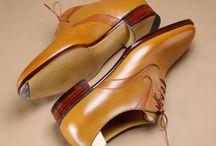 split whole cut shoes