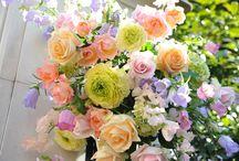 一会 階段&エントランス装花 / フラワーデザイナー 岩橋美佳さんによる作品を集めています。