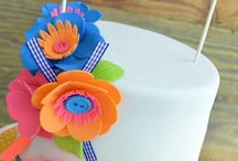Decorate fondant cake