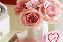 Valentinstag - Valentine's Day / Valentinstag – die besten Geschenkideen und Dekoration  Valentinstag ist einer der schönsten Feiertage. Die tollste Deko – Valentinstag Kränze, Karten und Frühstücksideen – finden Sie hier.