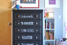organize kid's room